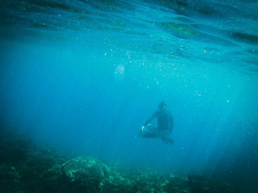 Snorkelling around GiliMeno